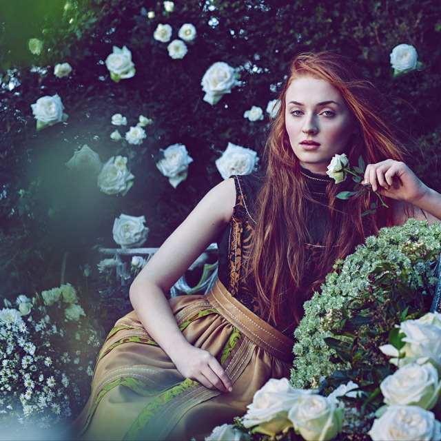 Sophie-Turner-roses